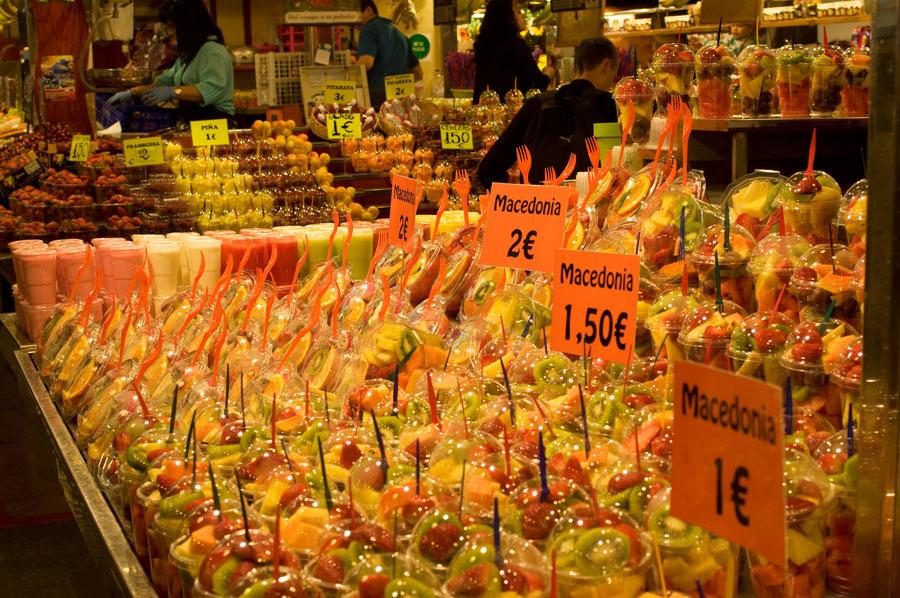 Нарезанные фрукты за 1-2 евро