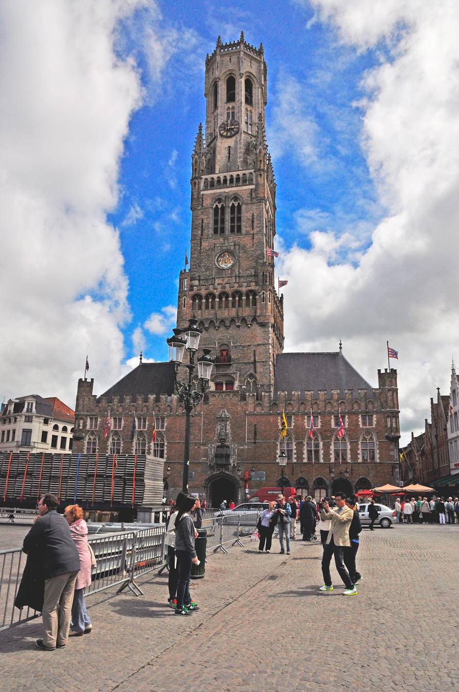рыночная площадь Брюгге