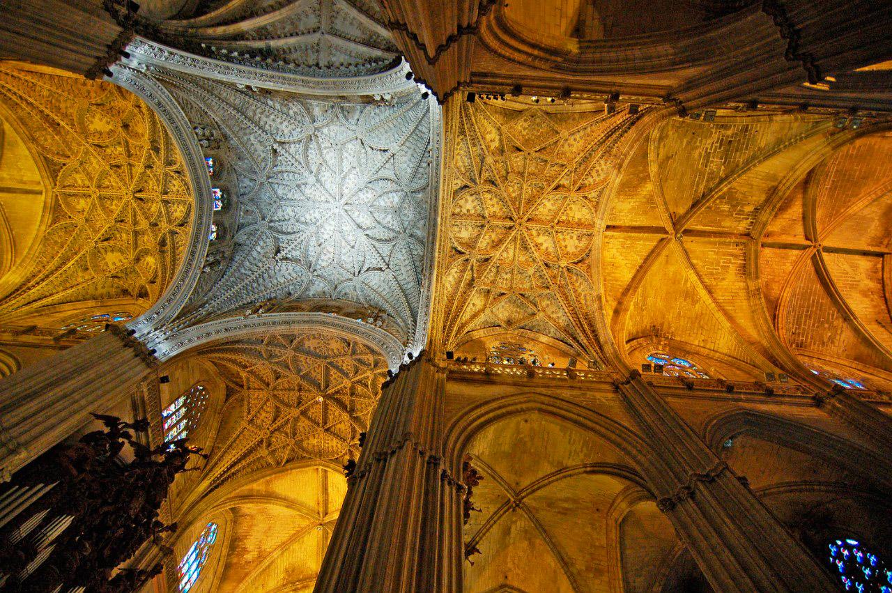 Кафедральный собор Севильи внутри