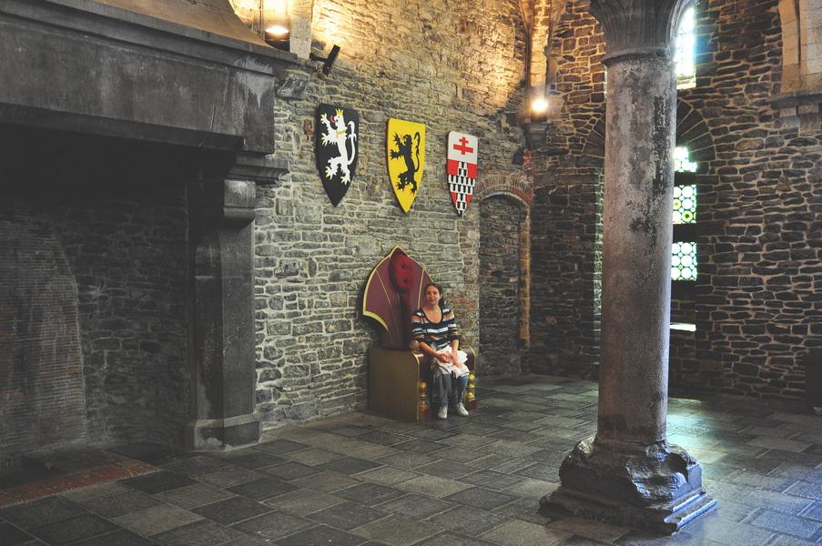 Внутри замка Гравенстейн