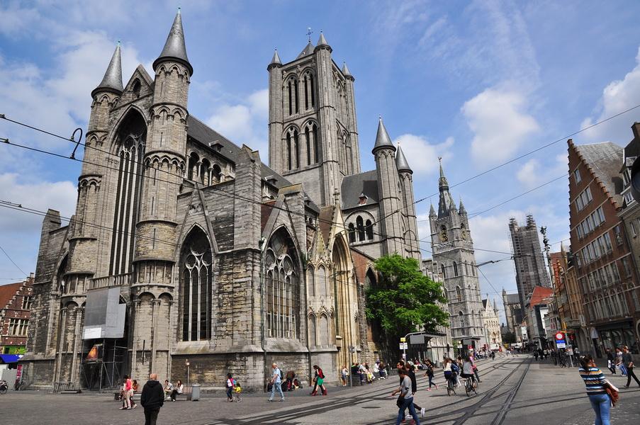 Церковь Святого Николая и собор Святого Баво